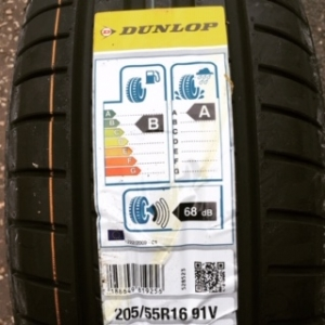 Dunlop Tyre for VW Golf in IG10